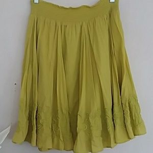 BANANA REPUBLIC embroidered peasant green skirt